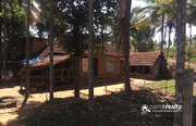 17 cent land with house for sale in Koodalkadavu.